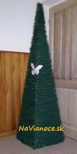 štvorcové vianočné stromčeky