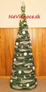 najkrajší ozdobený vianočný stromček