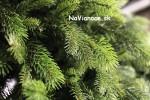 umely-vianocny-stromcek-smrek-3d