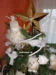 špic na vianočnom stromčeku na Vianoce