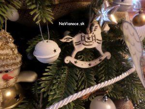 klasická vianočná ozdoba