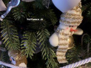 klasické vianočné ozdoby
