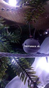 vianočná výzdoba na stromčeky