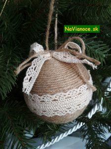 vianočné stromčeky a ozdoby vianočné