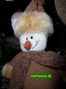 vianočný stromček zdobený