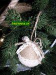 vianočný stromček nazdobený