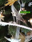 vianočný stromček a ozdoby