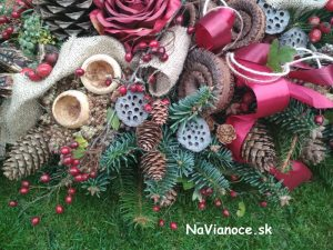 ikebany a dekorácie na dušičky na hroby