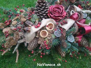 ikebana, aranžmán a dekorácia na hroby